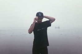 t-shirt - boys talk (fog)